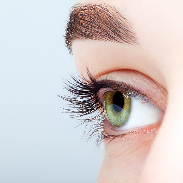 Redukcja cieni pod oczami KARBOKSYTERAPIA