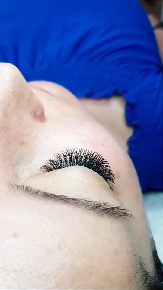 Pielęgnacja sztucznych rzęs po zabiegu – Poznaj podstawowe złote zasady - Blog Kosmetyczny